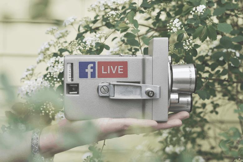 Facebook live retro camera